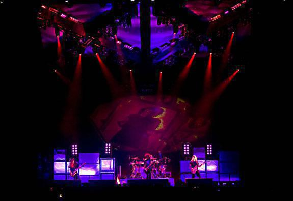Photo 1 in 'Alice In Chains - Summer And Fall Tour - 2007' gallery showcasing lighting design by Mike Baldassari of Mike-O-Matic Industries LLC