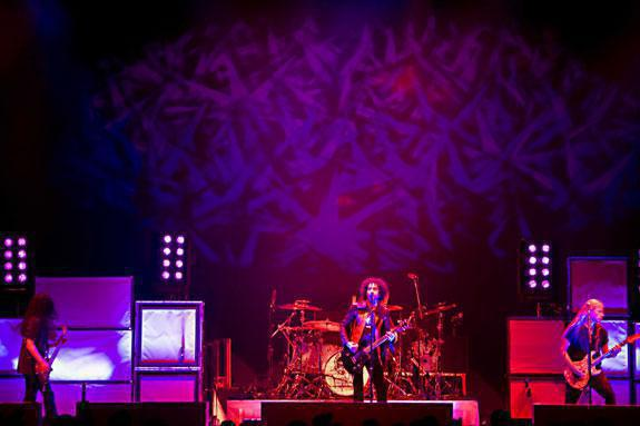 Photo 8 in 'Alice In Chains - Summer And Fall Tour - 2007' gallery showcasing lighting design by Mike Baldassari of Mike-O-Matic Industries LLC