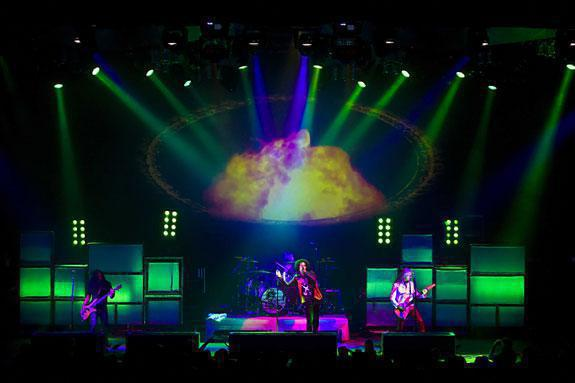 Photo 16 in 'Alice In Chains - Summer And Fall Tour - 2007' gallery showcasing lighting design by Mike Baldassari of Mike-O-Matic Industries LLC